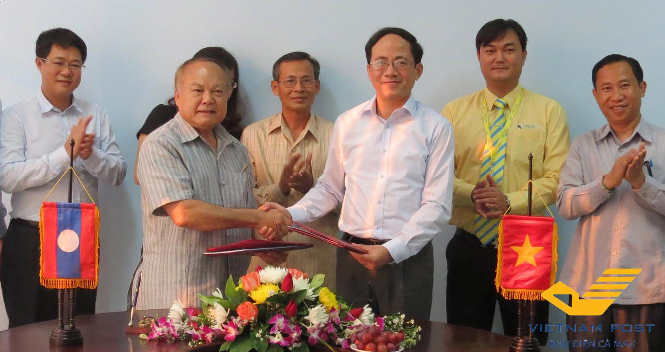Tổng Giám đốc Bưu điện Việt Nam thăm và làm việc với Bưu chính Lào